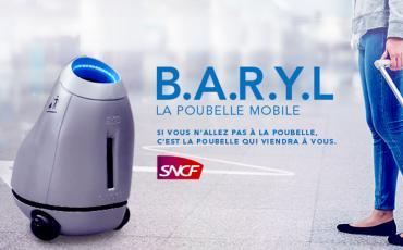 Le robot poubelle B.A.R.Y.L dans une gare