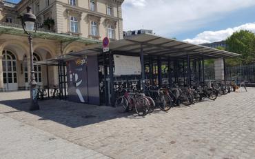 Véligo en face de la Gare de l'Est