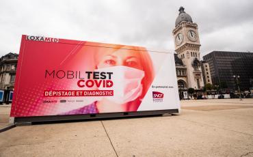 Box MobilTest sur le Parvis de Paris gare de Lyon